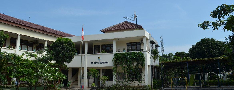Sekolahku rumahku